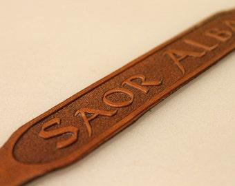 Saor Alba Leather Armband