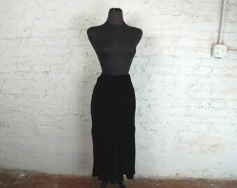 Vintage 1990s Ralph Lauren Fitted Lined Black Velvet Maxi Skirt (Size 8P)