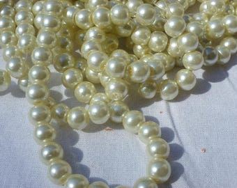 100 glass 8 mm Ivory Pearl