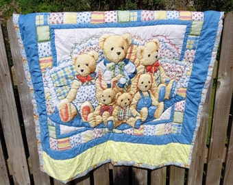 Teddy Bears baby quilt, Handquilted