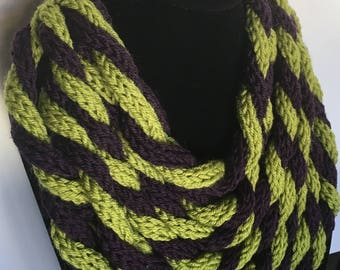Green and purple twist scarf