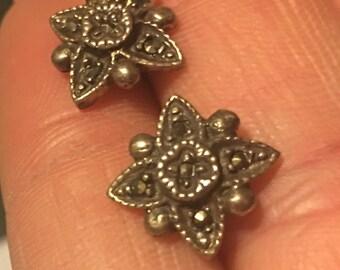 Marcosite & silver stud flower earings