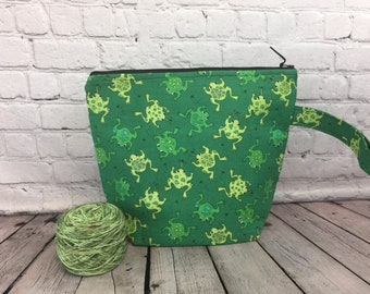 Frogs w/ Full length pocket, Knitting project bag, Crochet project bag,  Zipper Project Bag, Yarn bowl