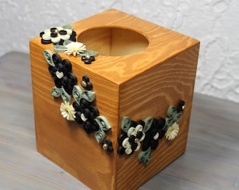 Square wooden tissue box decorated with quilled black and white flowers/home décor/decorative kleenex box/quilled flowers