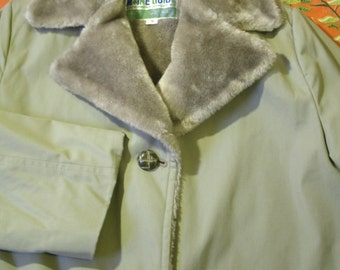 Maine Guide Coat Heavy Plush Lined Warm Women's Jacket Tan Winter Coat Size 18