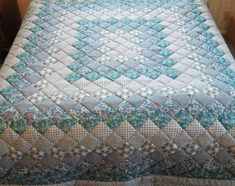 Teal & Gray  King Size pieced, hand-quilted Trip Around the World Quilt