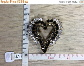 10%OFF3DAYSALE Vintage Gold Toned Pin Brooch Heart Clear Black Rhinestones Used