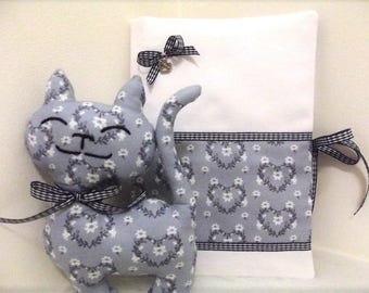 Gift, birth, protects health record + toy, baby, birth date, white and blue, hearts, unique, passionnementseize