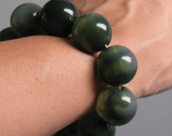 Vintage Womens Green Bead Bracelet - Chunky