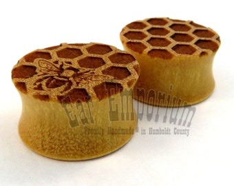 "Honey Bees and Honeycomb on Yellowheart Wooden Plugs - PAIR - 2g 0g 00g 10mm 11mm 1/2"" (13mm) 14mm 16mm 19mm 22mm 1"" 25.5mm up to 44mm Wood"