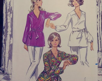 """Misses Retro Tunic Top with Tie Belt Sewing Pattern, Butterick 5431, Size 10, Bust 32 1/2"""", Vintage 1970s, Cut & Complete"""