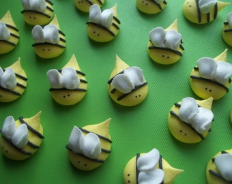 Royal icing bees  -- Made to order -- Edible handmade cupcake toppers cake decorations (12 pieces)
