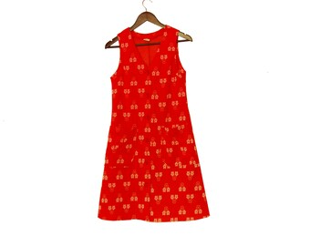 Sleeveless Red Mod Dress, Button Down Vintage A-line Floral Dress With Pockets And Big Buttons 60s