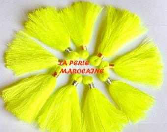 Création ! lot de  10 POMPONS coloris jaune fluo et fil doré  +-4 CM acryl TASSEL