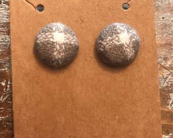 Gray/White Button