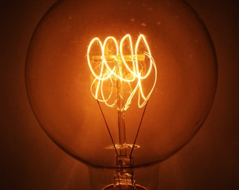 "Simple Vintage Lighting G95 Edison Light Bulb, E26 Base, 40W or 60W 120V, Antique Style, Amber Tinted or Clear, 3.74"" Globe, 4-Loop Filament"