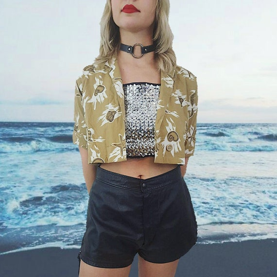 80's Vintage Tropical Sea Shell Starfish Print Open Layer Crop Top - Brown White and Black Vtg 1980s All Over Print Short Sleeve Womens Top