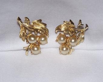 Coro Gold-tone and Faux Pearl Flower Screw Back Earrings