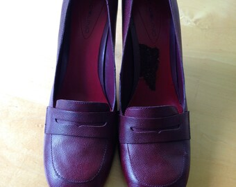 Vintage Maroon High Heels with Rounded Toe and Front Strap. By Bandolino