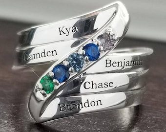 Mothers ring. Birthstone ring. Family jewelry. Engraved ring. Ring with children's names. Personalized mothers ring. Mothers day gift