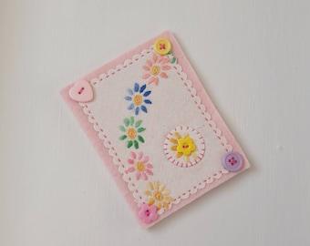 Needle case. Embroidered Needlecase. Vintage linen needlecase