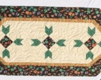 Tree and Leaves Table Runner