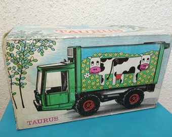 Taurus grip tin plastic toy camion with box made in Gdr 1950s