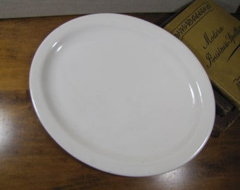"""Buffalo China - Restaurant Ware Oval Serving Platter - Creamy White - 11 1/2"""" by 9"""""""