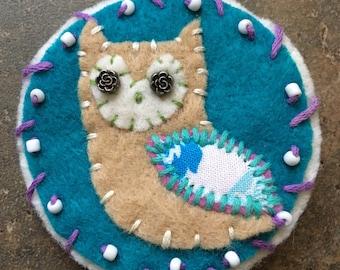 Owl felt hairclip