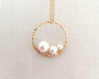 Gold Fill Mother of The Bride Necklace, Three Generations Necklace, Wedding Jewelry, Mother Necklace, Pearl Necklace, Infinity Necklace