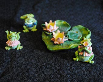 Unmarked Frogs on a lillipad Miniature Mini Tea Set- 9 pieces