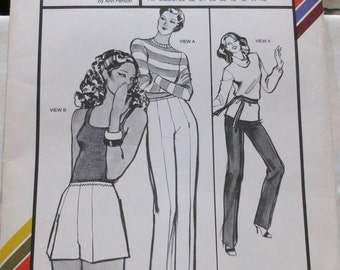 Stretch & Sew Pattern #700. Pants and Shorts. Hip Sizes 30-46. Exclusively for Knit Fabrics. Vintage 1979. Uncut Pattern.