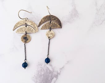 Moon phases earrings in brass and lapis lazuli, gold & blue long dangle earrings, boho chic lunar cycle
