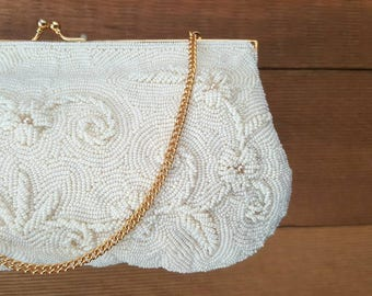 White CLUTCH / Beaded Purse Evening Handbag / vintage 1970s