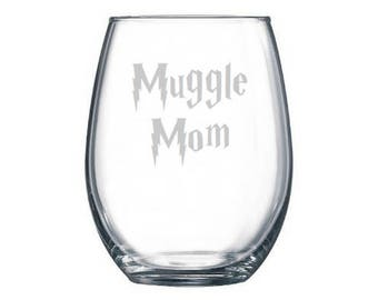 Muggle Mom Wine Glass, Mother's Day Wine Glass, etched Muggle Mom Glass, Mom Gifts, Push Presents, Lightning Scar, First Mother's Day gift