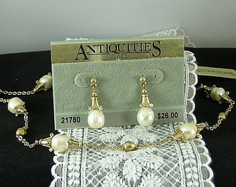 Pearl Necklace and Earrings - Antiquities - Elizabethan Renaissance