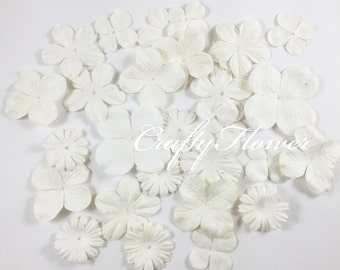 100 White Mixed Mulberry Die Cute Paper Flowers Scrapbooks Wedding 15/AMP3