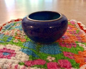 Chinese salt bowl
