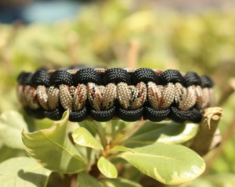 Fire-starter Paracord Bracelet/Survival Bracelet/Cobra Weave/Perfect Gift Ideas/Gifts for Him/Gifts for Her