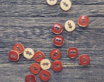 24pcs Petite two holes buttons
