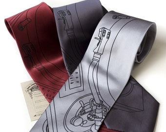 Record Player Necktie. Turntable tonearm silkscreen print men's tie. Dj gift, music lover gift. Choose narrow or standard size tie.