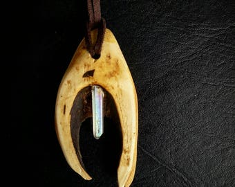 Wood pendant necklace / essential oil diffuser