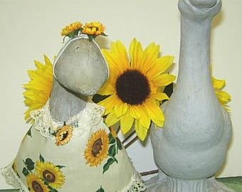 "Fall or summer sunflowers on beige for 8 1/2"" gosling or 101/2"" geese"