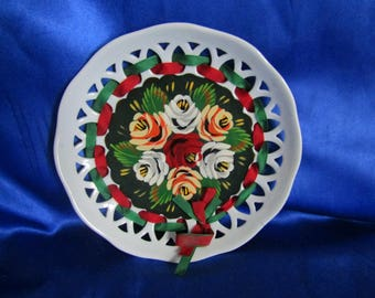 Vintage Canal Ware Ribbon Plate, Green & Red Ribbon's Hand-painted Flowers