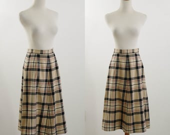 Vintage Tartan Plaid Skirt, 1970s Plaid Skirt, 70s Young Pendleton, Flared Skirt, Pendleton Wollen Mills, Black Tan Red,  Waist 27, Medium
