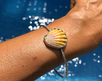 Sunrise shell Bangle