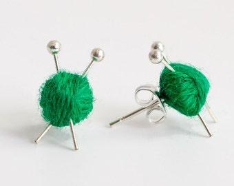 Ball of wool & knitting needle earrings - green yarn studs