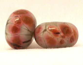 Vic's Glass Creations - Punch - handmade lampwork bead pair - SRA