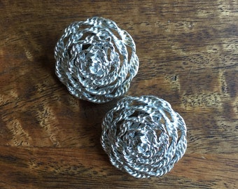 Vintage Lisner Flower Silver Clip On Earrings