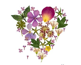 Pressed flower heart card, Valentine card, I love you, Weddind announcement card, Vegetal card, Flower stationery, Romantic, Cute cards
